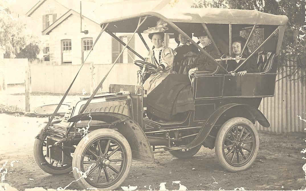 Simpson family in one of the first cars in WA, Cue